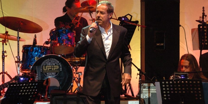 'Sing and Swing  Jazz Company'. Massimo Lopez interpreta i classici dello swing